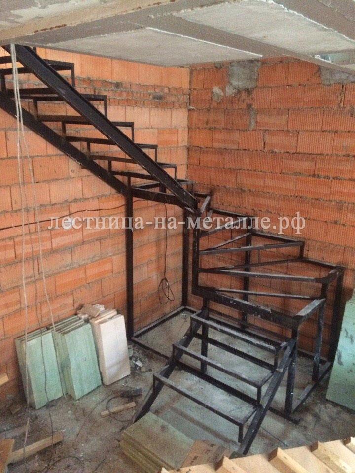 Лестница своими руками с металлокаркасом 371