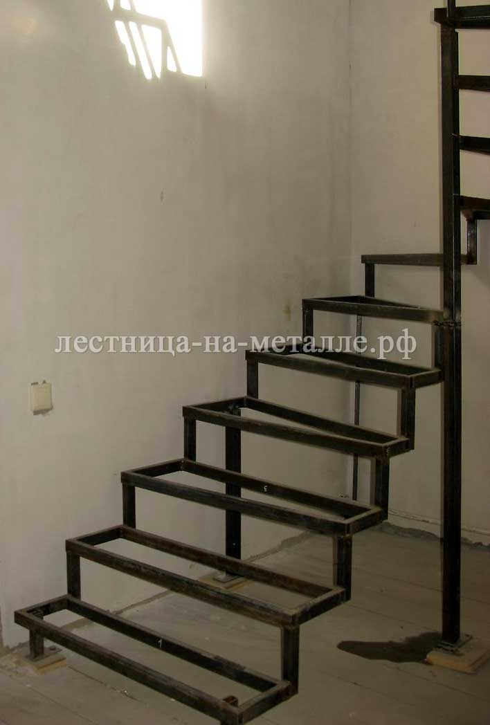 Как сделать лестницу на металлическом каркасе своими руками